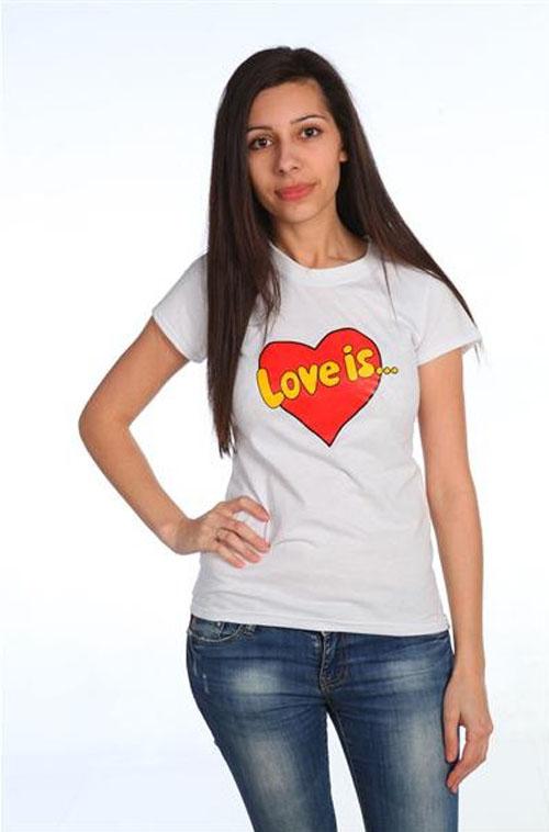 "Футболка ""Love is"" белая"