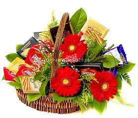 Корзинка Шоколад в цветах