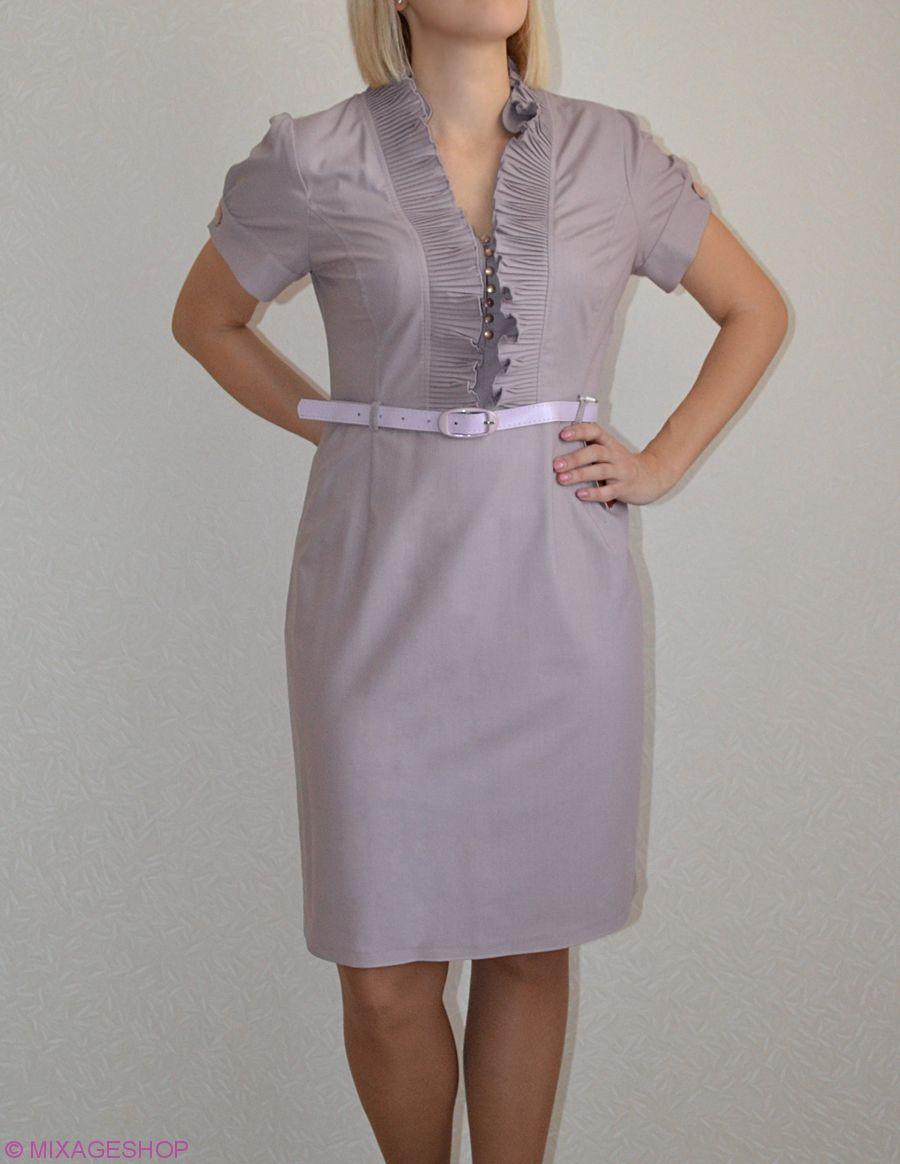 Габардиновое платье с коротким рукавом и ремешком