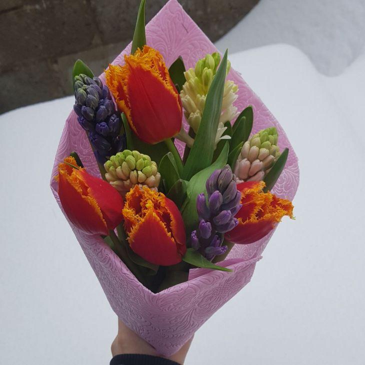 Букет из Гиацинтов и тюльпан
