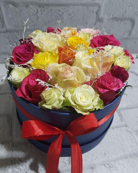 коробочка из 25 микс роз