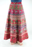 Красная длинная юбка с запахом, Индия