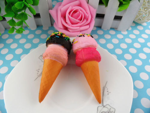 Сквиши брелок мороженое рожок