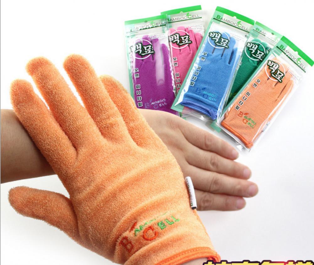 Мочалка-перчатка для пилинга в душе
