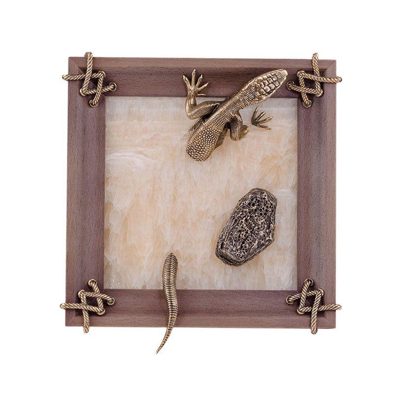 """Картина """"Ящерица с камнем"""" из оникса и бронзы"""