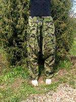 Фото женских камуфляжных штанов в милитари стиле