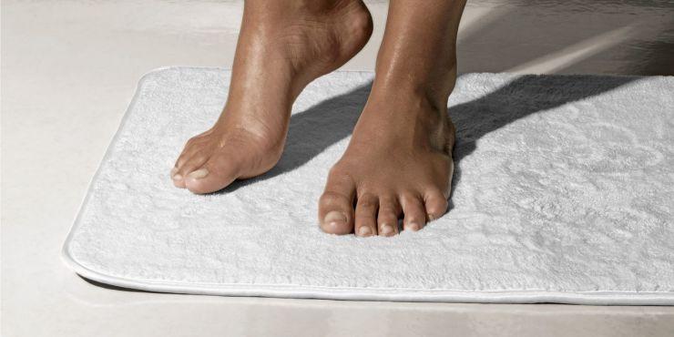 Коврик для ванны 65 х 45 см белый
