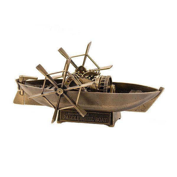 Лодка Л. да Винчи с гребным колесом