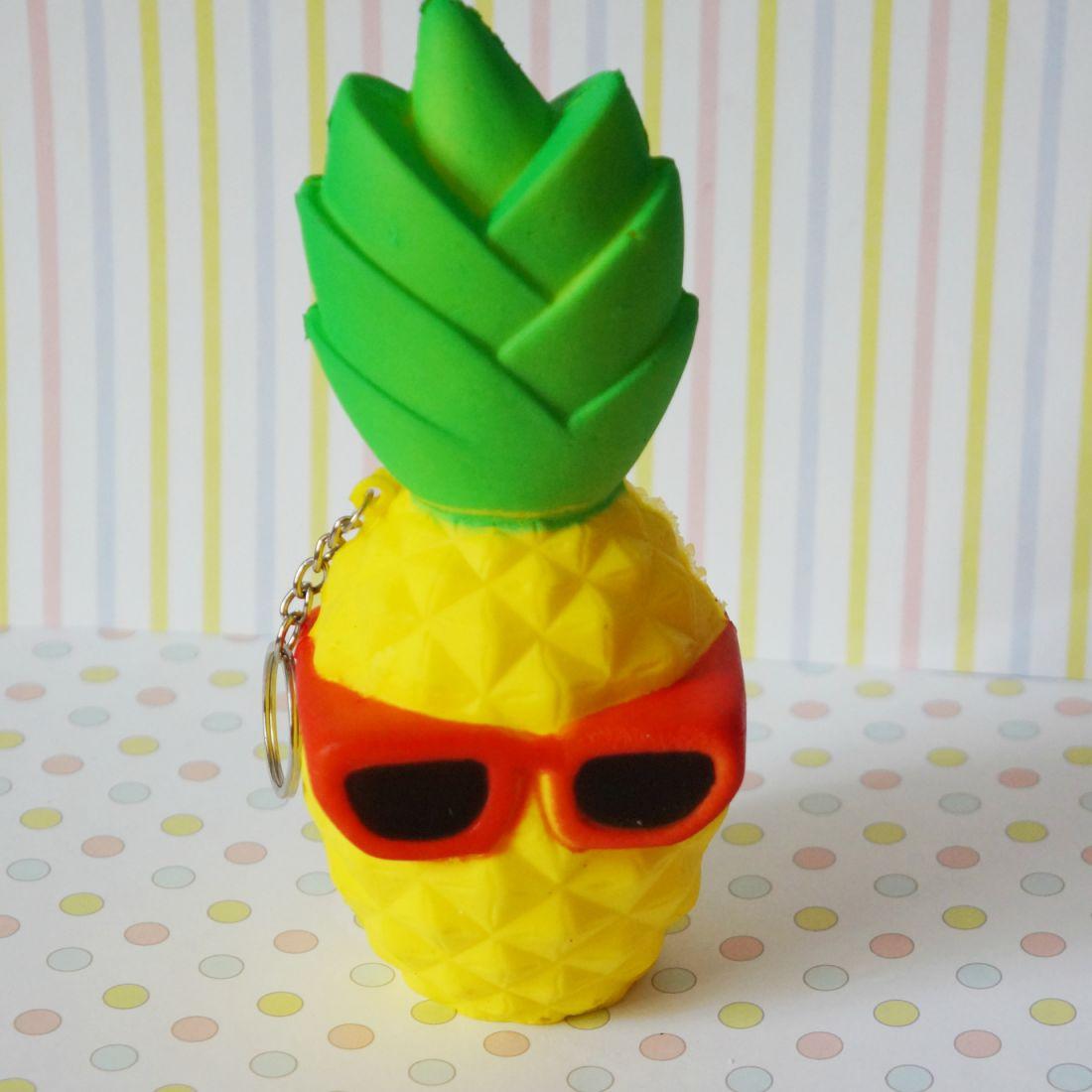 Сквиши ананас
