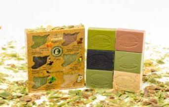 Набор оливкового мыла в подарочной картонной упаковке с отверстиями в форме карты Сирии, 6 шт./~630 гр