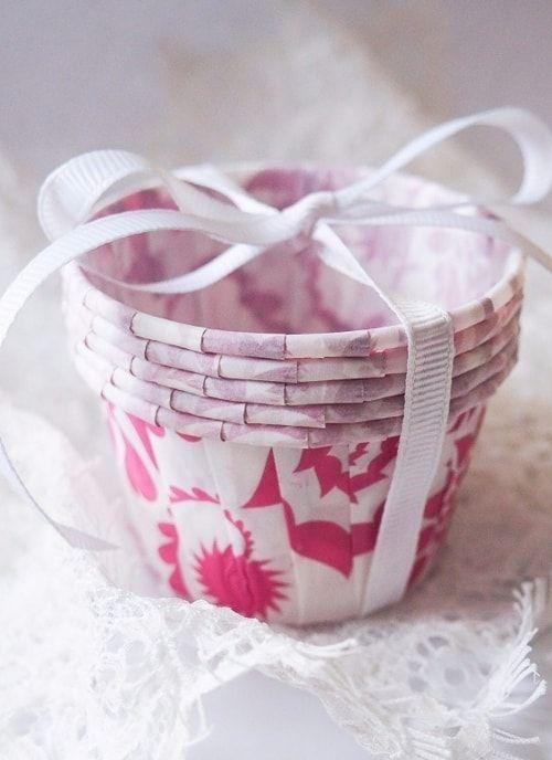 Форма для капкейка Белая с роз узором
