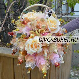 """Свадебная композиция из конфет №720 """"Роскошная свадьба"""""""
