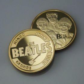 Монета сувенирная крупная Beatles (золотого цвета)