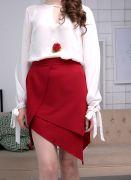красная короткая юбка