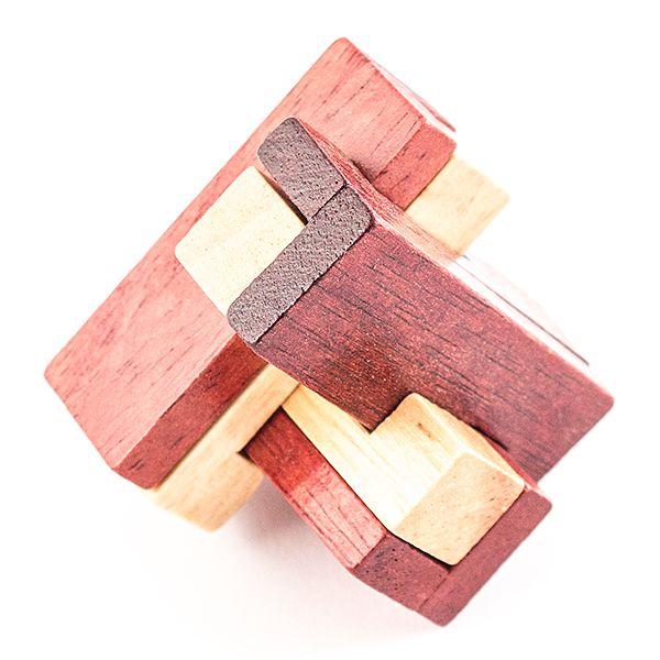 Головоломка деревянная. в кор. Тройка
