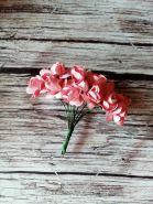 роза бумажная диаметр 1,5 см ПЕРСИКОВАЯ   цена за 5 шт