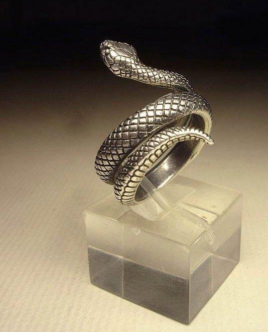 """Кольцо  """"Змея"""" серебряное"""