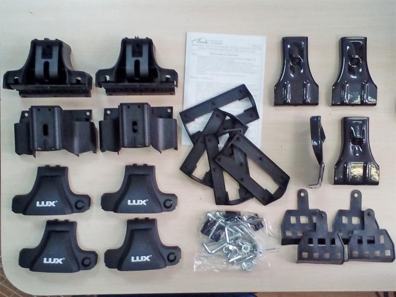 Комплект опор с адаптерами D-Lux 1, универсальный для установки на крышу автомобиля