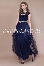 Темно-синее вечернее платье со стразами