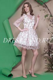 Коктейльное платье в стиле baby doll