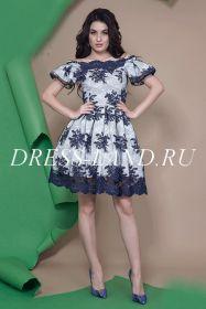 Синее коктейльное платье в стиле baby doll