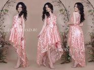 Пудровое платье с ассиметричным подолом