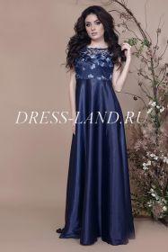Темно-синее вечернее платье с завышенной талией
