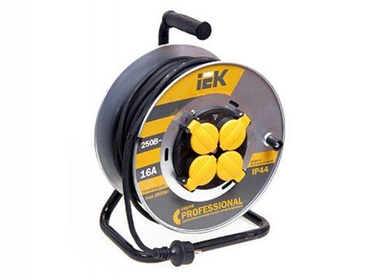 Сетевой удлинитель IEK катушка УК50 на мет с т/з 4 места 2Р+PЕ/50м КГ 3х1,5мм2 IP44 ''Professional''