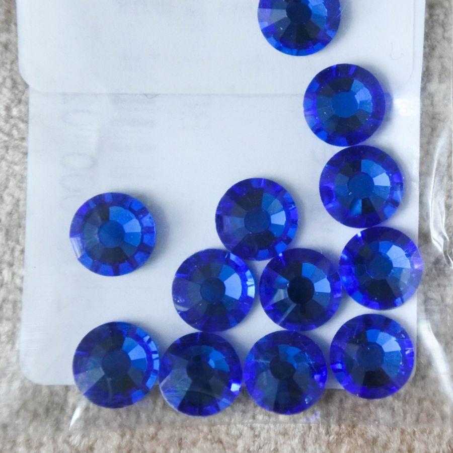 Стразы стеклянные клеевые, цвет Синий, SS30, 12 шт/упак
