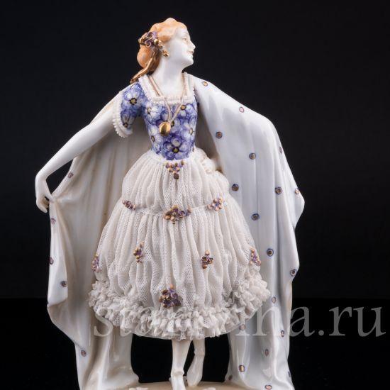 Изображение Девушка с шалью, кружевная, E & A Muller, Германия, 1890-1927 гг.