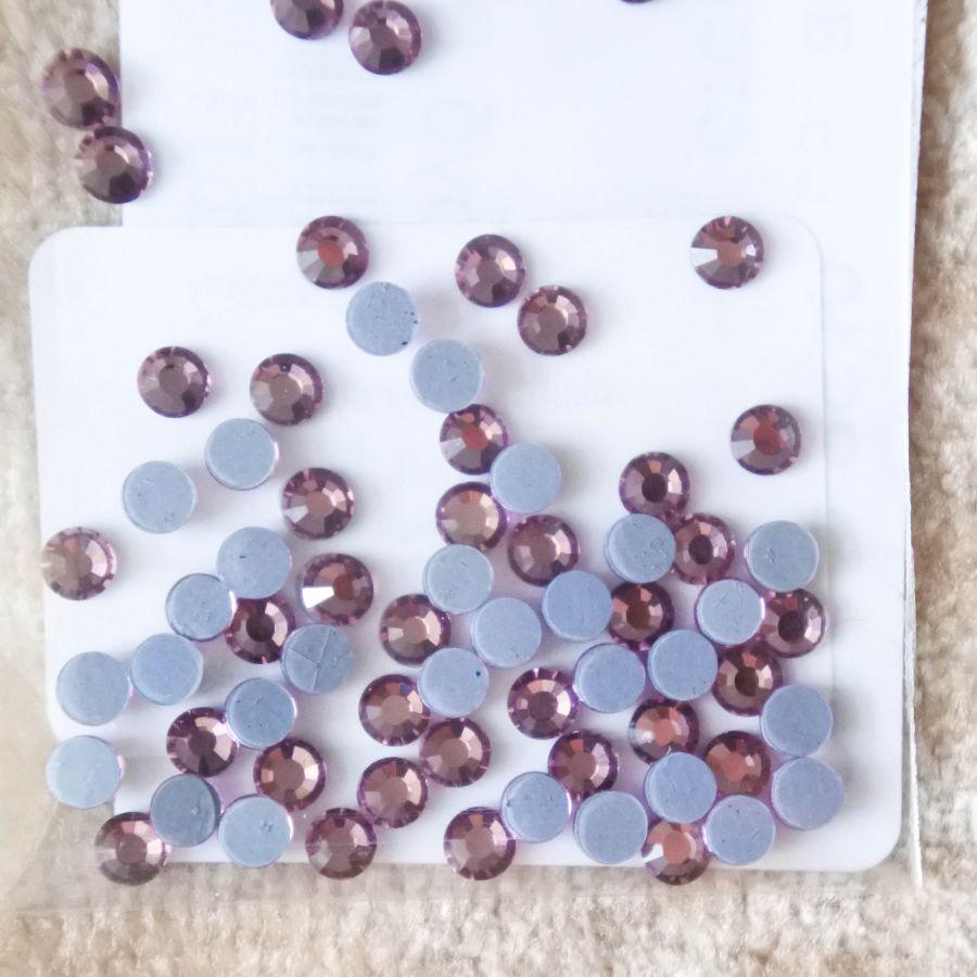 Стразы стеклянные клеевые, цвет светлый Аметист, SS10, 70 шт/упак