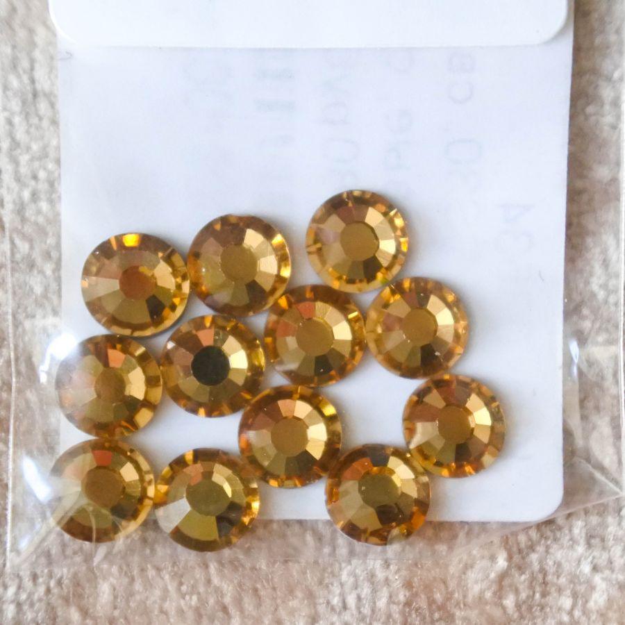 Стразы стеклянные клеевые, цвет Светло-Желтый, SS30, 12 шт/упак