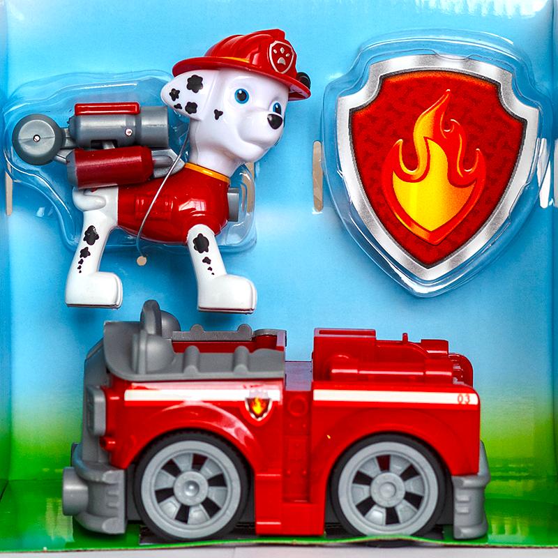 Фигурка Маршал с рюкзаком-трансформером на пожарной машине и значок