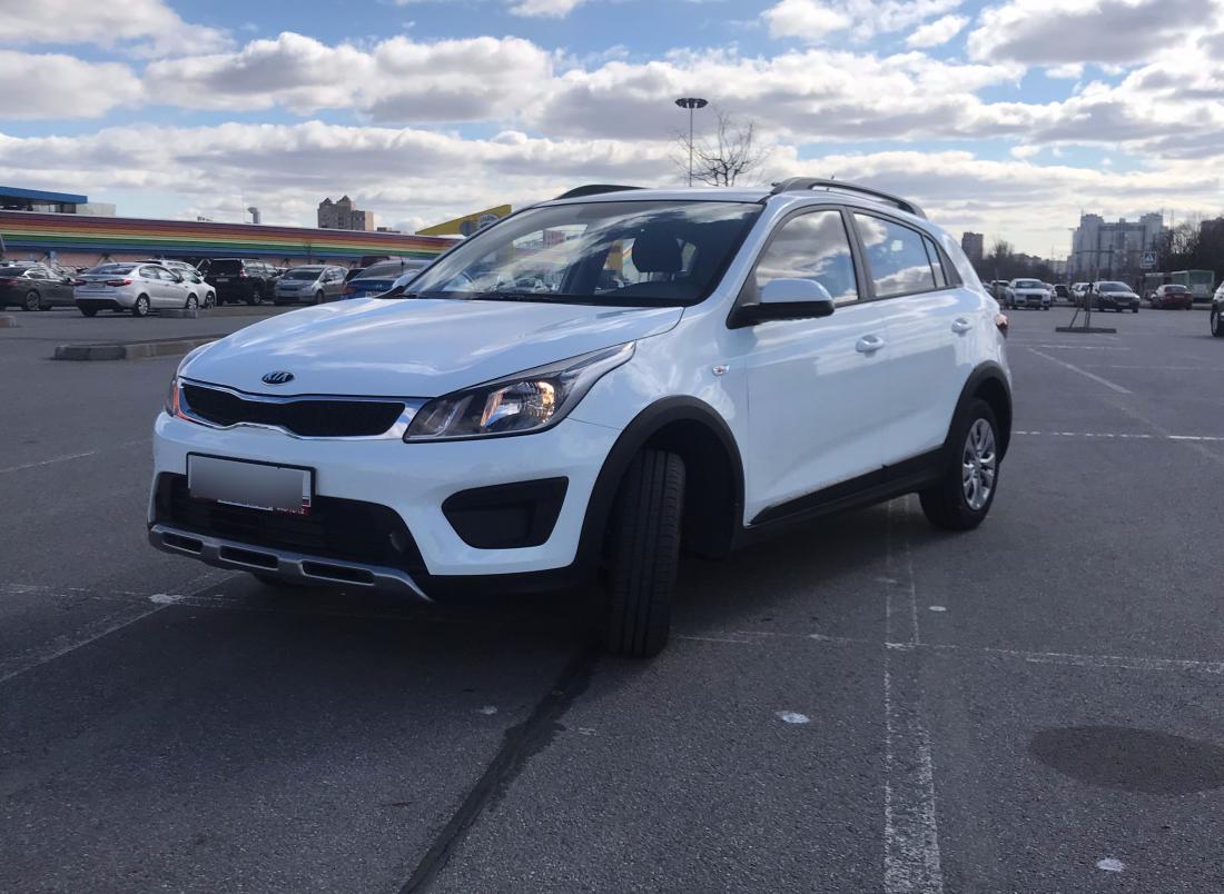 Киа Рио X-Line 2019 Автомат 1.6 аренда и прокат авто в Санкт-Петербурге (Спб) без водителя недорого цена на сутки