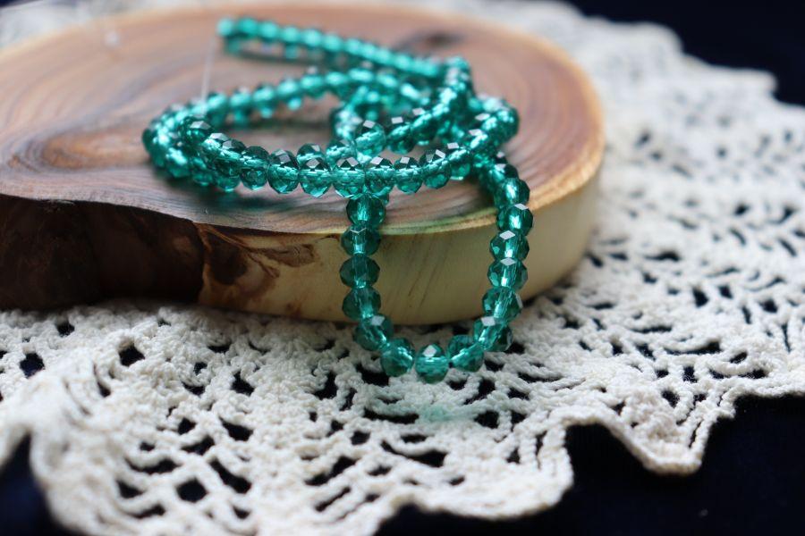 Бусины стеклянные, граненый рондель, цвет 340, Изумруд, 6*4 мм, нитка 45 см
