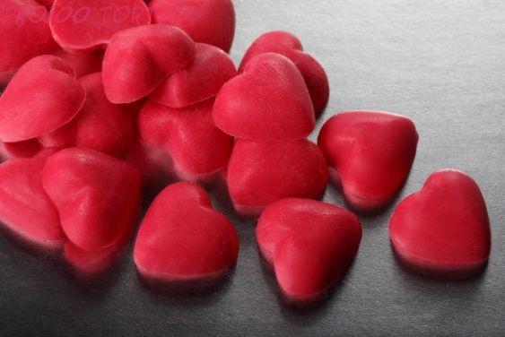 Сердечки красные шок. вес 50 гр.