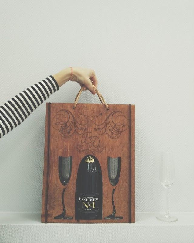 Коробка пакет под шампанское и бокалы