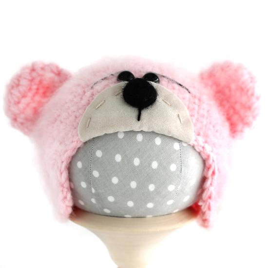 Вязаная шапочка для куклы Мишка с мордочкой розовый