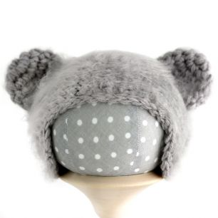 Вязаная шапочка для куклы Мишка серый