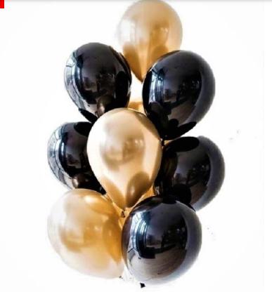 Фонтан из черных и золотых хромовых шаров