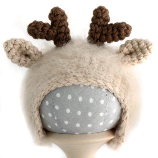 Вязаная шапочка для куклы Оленёнок