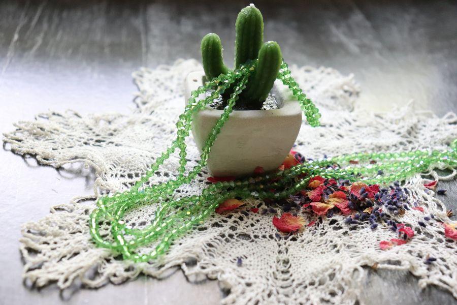 Бусины стеклянные, граненый биконус, нитка 40 см, цвет 327, Зеленый с перламутром