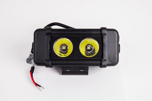Прямоугольная светодиодная LED фара BS10 - 20W CREE SPOT