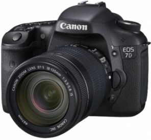 Canon EOS 7D Kit 18-135mm f/3.5-5.6 IS