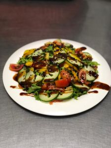 Салат с лососем Терияки 220г