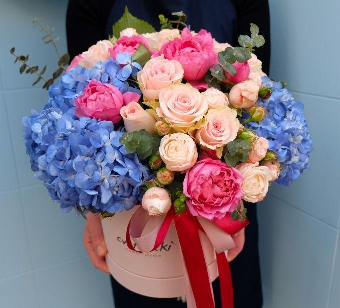 """Цветы в шляпной коробке """"Для любимой"""""""