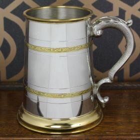 Английская пивная кружка (танкард) с латунными ободами в кельтском стиле, (латунь, пьютер).