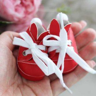 Обувь для кукол 5 см - туфли красные с ушками и помпоном