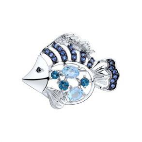 Брошь из серебра с голубыми и синими топазами и фианитами 92040074 SOKOLOV