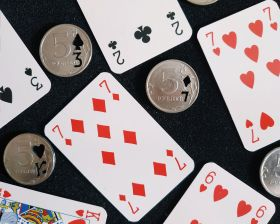 НОВИНКА! Монета 5 руб с карточным предсказанием (на выбор)